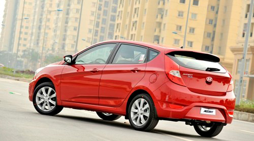 hyundai-accent-1-4-at-accent-1-4-mt-va-accent-5-cua-3