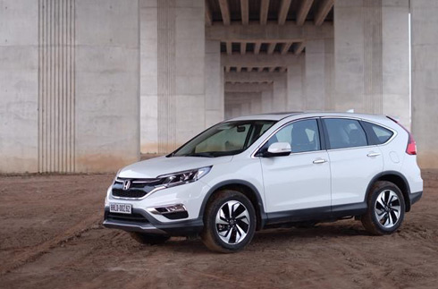 Honda-CR-V-2015-doi-dau-mazda-cx-5-1