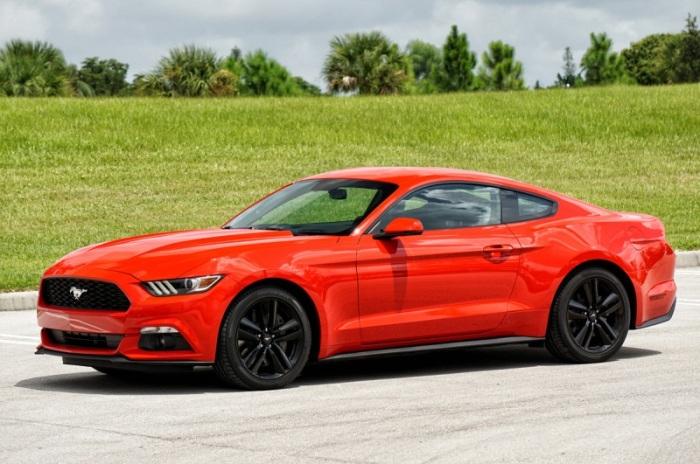 """Ford Mustang phiên bản """"ngựa hoang"""" hai cửa"""