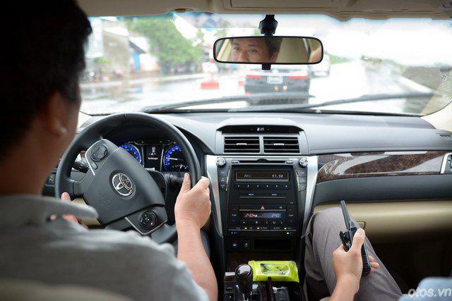 Đánh giá Toyota Camry 2015 sau nửa năm có mặt ở nước ta