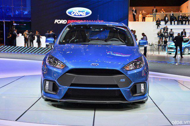 Ford Focus RS 2016 mạnh mẽ hơn hẳn Mustang