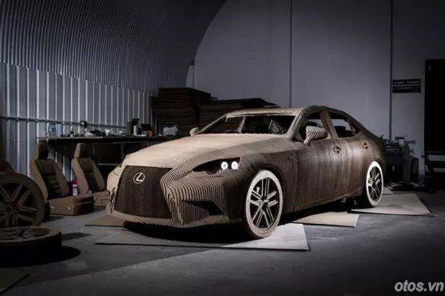Xe Lexus làm bằng bìa carton cực kỳ đẹp mắt