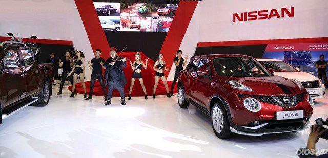 Rộn ràng gian hàng Nissan tại VMS 2015